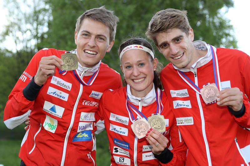 Matthias Kyburz, Judith Wyder & Florian Howald (fltr) at EOC 2016 – prize giving ceremony men